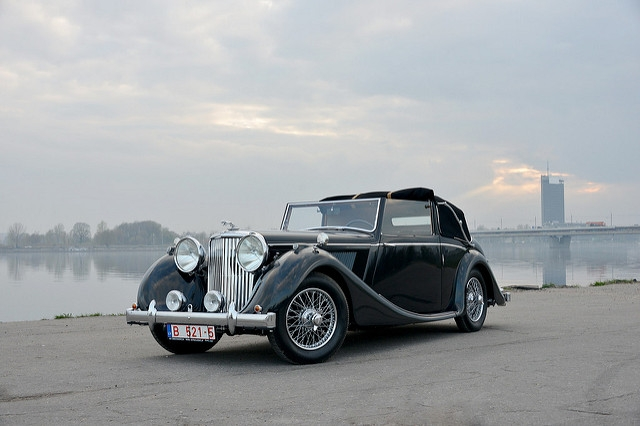 Classic Car Restoration   Autoclassic lv